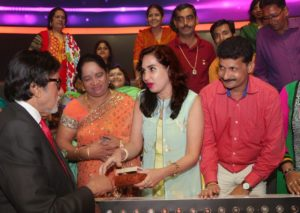 Amitabh Bachchan with Audience at KBC Set Mumbai