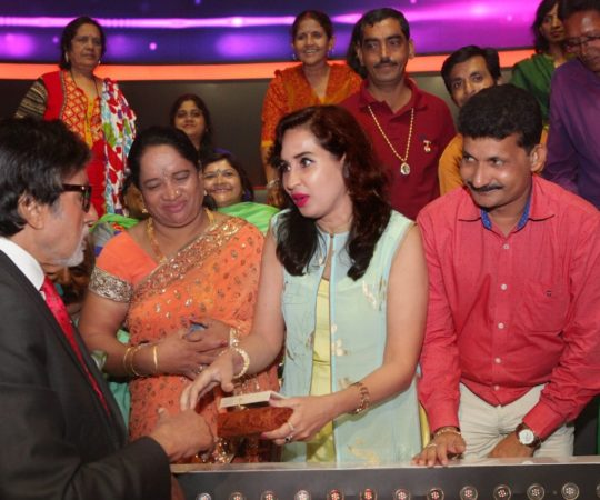 Close to Amitabh Bachchan at KBC 10 – Watch Latest Pics – Starting 3rd Sep