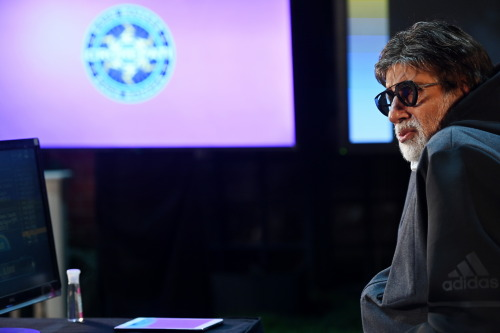 AB's cool Specs during KBC Promo Shoot – complete Pics