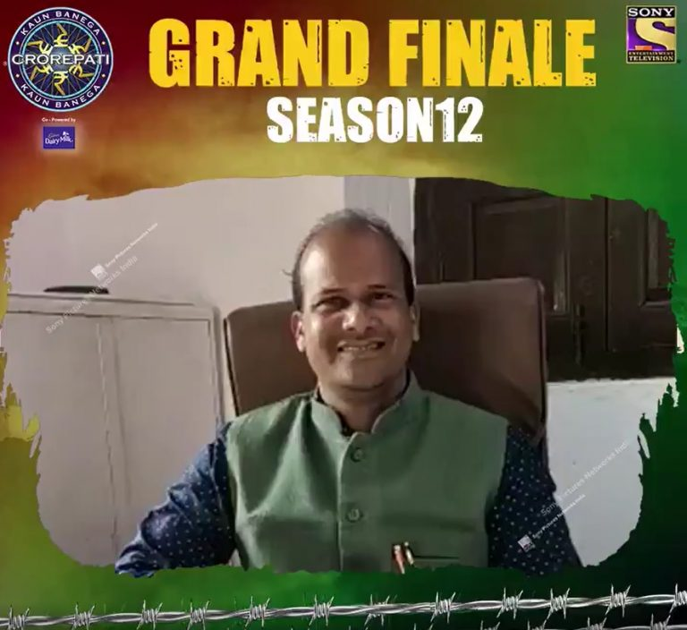 Our KBC Contestant SUBEDAR MAJOR YOGENDRA SINGH YADAV and SUBEDAR SANJAY KUMAR.  Tune in to KBC12 Grand Finale tonight at 9 PM on Sony TV